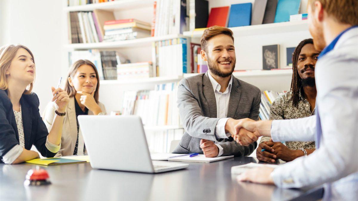 5 wskazówek, jak utrzymać zadowolenie klienta w małej firmie.