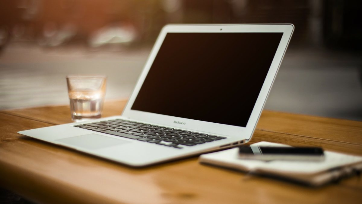 Czy DVD można podłączyć do laptopa?