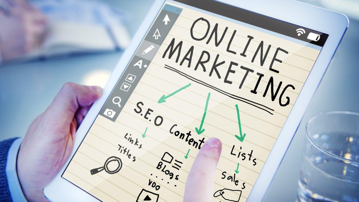 Jak samodzielnie rozwijać się w branży e-marketingowej?